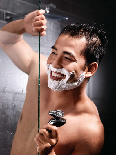 wet shave with Philips Norelco 1280X/86 Shaver 8900