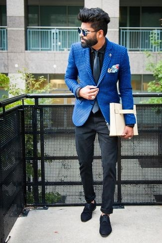 Formal look with blue shoes