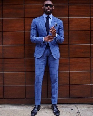 What To Wear With Blue Shoes Know Different Casual And Formal Looks