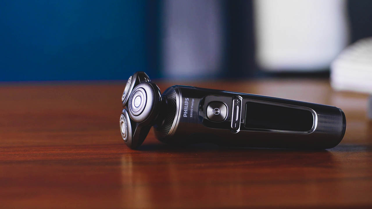 Philips Norelco 9000 Prestige Electric Shaver