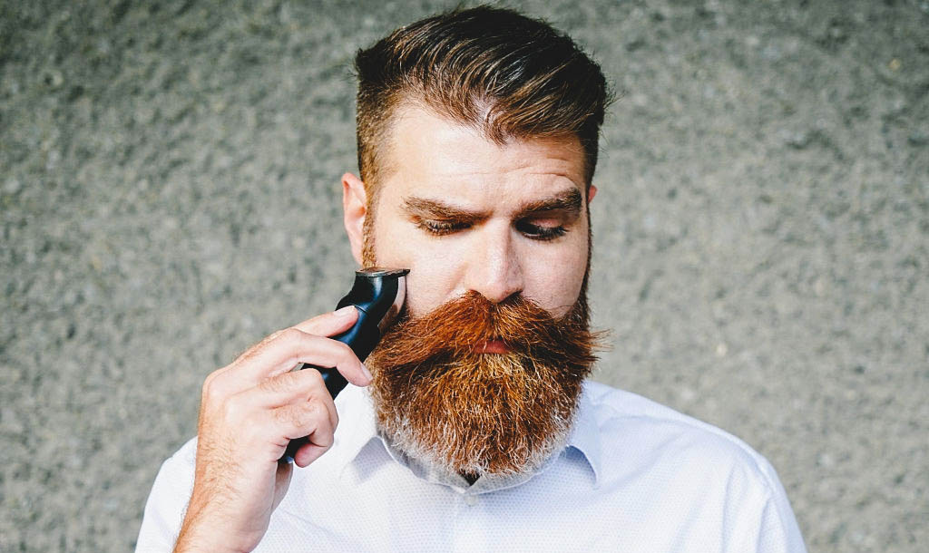 shaping beard with a line