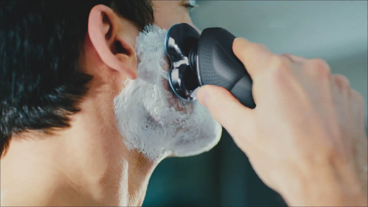 wet shave with norelco 6800 S6880
