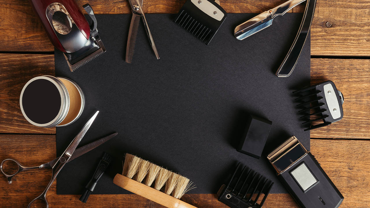 accessories that barbers use for hair cutting