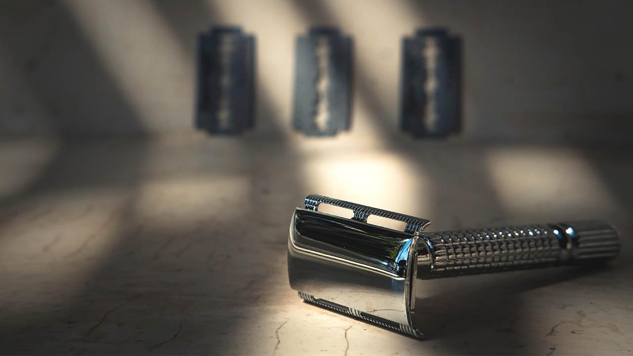 shaving with double edge razor